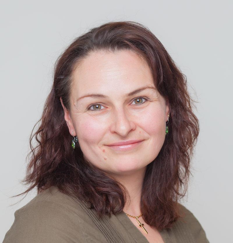 Frau Brigitte Marquart