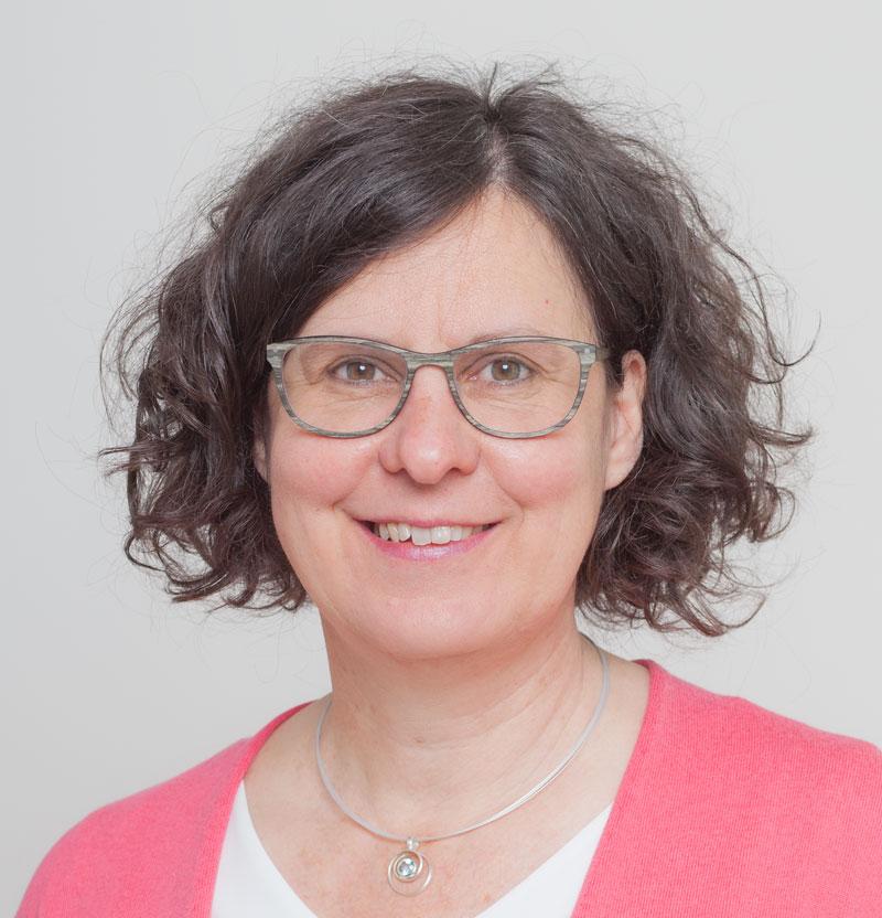Frau Angelika Maucher